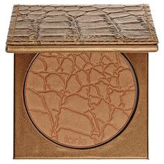 What it is: An ultralight, mineral-based bronzing powder. What it does:Tarte Mineral Powder Bronzer is an oil-free bronzer that fuses earthly minerals with naturally-derived ingredients for a natural-looking finish. It contains Skinvigorating&trade