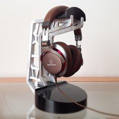 Custom DIY headphone stand via Head-fi.org