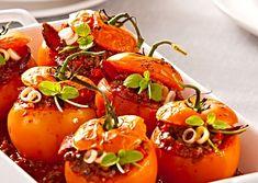 Recept : Svačinový salát z ledového salátu | ReceptyOnLine.cz - kuchařka, recepty a inspirace Stuffed Peppers, Vegetables, Food, Stuffed Pepper, Essen, Vegetable Recipes, Meals, Yemek, Stuffed Sweet Peppers