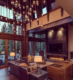 """Ко мне очень часто обращались с вопросом: как оформить пространство со вторым светом? Высота потолков в таких помещениях в среднем 5,5-6м. Представляю один из вариантов: оформление с помощью светильников! Благо, что выбор форм, цветов и материалов, из которых сделаны светильники, тоже огромен! В данном варианте #светильники из прозрачного стекла разного диаметра расположены, подобно дождику, на разной высоте. Самый нижний ряд на уровне потолка первого этажа. Такой приём визуально """"снижает""""…"""