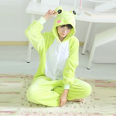 Bonito Rana Verde Polar Fleece Unisex Kigurumi pijamas ropa de dormir de la historieta animal del traje de Halloween - USD $ 20.99
