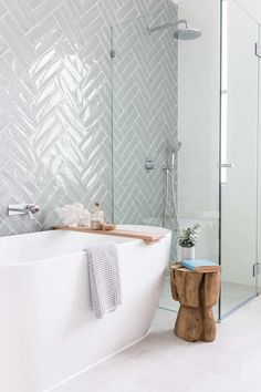 Trendy bathroom shower ideas diy built ins 58 Ideas Bathroom Renos, Laundry In Bathroom, Bathroom Ideas, Bathroom Designs, Bathroom Makeovers, Bathroom Remodeling, Laundry Rooms, Bathroom Gray, Small Laundry