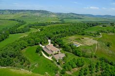 Selvoli. Located in Hills in Pienza (Siena), offers Room only in Flat - Pienza.