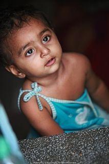 `인도` 블루시티에서 만난 눈이 큰 아이