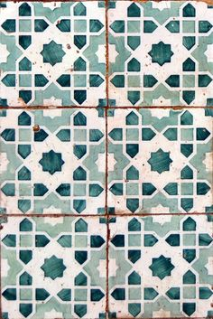 Teal and white tiles. Possible color palette master bed & bath - Teal and white tiles. Possible color palette master bed & bath Teal and white tiles. Possible color palette master bed & bath Tile Patterns, Textures Patterns, Print Patterns, Moroccan Tiles, Moroccan Decor, Moroccan Bathroom, Moroccan Pattern, Turkish Tiles, Moroccan Colors