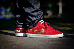 timeless design 292ef b02e4 Supreme x Nike SB Zoom Bruin  World Famous  Red