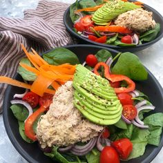 Salad with healthy tuna mousse and avocado Healthy Tuna, Healthy Meal Prep, Healthy Eating, Healthy Recipes, Food N, Food And Drink, Waldorf Salat, I Love Food, Good Food