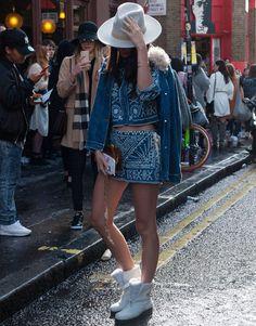 street-style-denim-look-white-boots