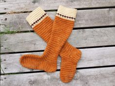 Naalebinding long socks/hose by anitheya on deviantART