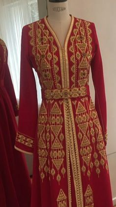 Caftans, Traditional Dresses, Princesses, Moroccan, Embroidery Designs, Dresses With Sleeves, Long Sleeve, Style, Fashion