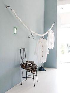 37 Trendy ideas for diy clothes hanger rack dressing Boutique Interior, Diy Clothes Hanger Rack, Hanging Clothes, Dressing Pas Cher, Ikea, Konmari, Clothes Line, Interior Inspiration, Sweet Home