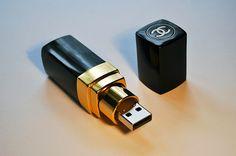 Estuche de memoria USB en forma de lápiz labial