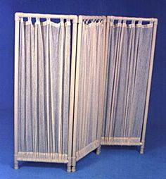 Decorating With PVC- Rental Decorating Digest – Room Divider made from PVC by he… - Home Professional Decoration Pvc Pipe Crafts, Pvc Pipe Projects, Home Projects, Bamboo Room Divider, Diy Room Divider, Divider Ideas, Tube Pvc, Pvc Furniture, Sliding Room Dividers
