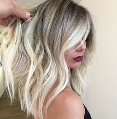 It's true, you can observe that balayage works pretty nicely with all hair lengths. Still another website to explain to you how balayage is finished. Blond Ombre, Ash Blonde, Bright Blonde, Blonde Color, Darker Roots Blonde Hair, Blonde Ends, Blonde Honey, Gold Blonde, Brunette Color