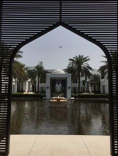 Symmetry and sumptuous surroundings The Chedi Muscat, Zen Style, Leading Hotels, Beauty Photography, Luxury Travel, Marina Bay Sands, Palm Trees, Paradise, Architecture