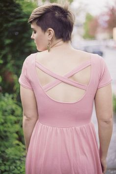 The cross-back Moneta, free pattern modification instructions to download from Colette Patterns.