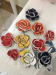 Mosaic Garden Art, Mosaic Tile Art, Mosaic Flower Pots, Mosaic Crafts, Mosaic Projects, Mosaic Glass, Mosaic Designs, Mosaic Patterns, Teacup Mosaic