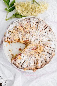 Moje Wypieki | Ciasto z rabarbarem i migdałami