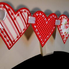 Looking for something gorgeous to applique? LOVE HEART BANNER ITH Project by Big Dreams Embroidery. This sweet banner is Machine Embroidery Projects, Machine Embroidery Applique, Applique Patterns, Applique Designs, Embroidery Machines, Heart Banner, Bunting Banner, Banners, Buntings