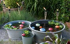Decorate floating lenses: Pretty decoration for the pond zinkwanne, Container Water Gardens, Container Gardening, Diy Pond, Garden Illustration, Water Pond, Wooden Planters, Garden Buildings, Garden Fencing, Garden Boxes