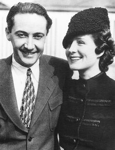 Norma Shearer and Irving Thalberg (MGM production head at time of his untimely young death) at the Glendale train station on September Hollywood Couples, Hollywood Icons, Hollywood Fashion, Golden Age Of Hollywood, Vintage Hollywood, Hollywood Glamour, Hollywood Stars, Classic Hollywood, Celebrity Couples