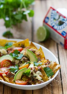 I don't know what language this is in- but this Chilaquiles dish is calling my name! Vatsasekaisin Kilinkolin: CHILAQUILES – meksikolainen tortillavuoka