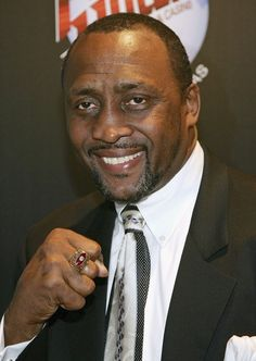 Thomas Hearns October 18,1958 Thomas Hearns turns 55 today. He is a retired professional boxer and the 1st boxer in history to win world titles in four divisions.