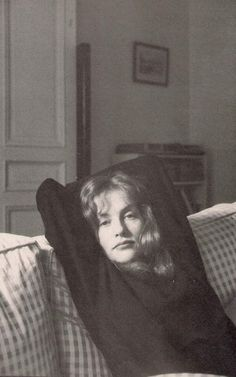 """last-picture-show: """"""""Henri Cartier-Bresson, Isabelle Huppert, """" """" Summer Nature Photography, Candid Photography, Color Photography, Street Photography, Portrait Photography, Urban Photography, White Photography, Alfred Stieglitz, Henri Cartier Bresson Photos"""