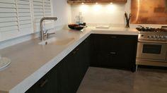 Keukenconcurrent Corner Desk, Kitchen Cabinets, Furniture, Home Decor, Corner Table, Decoration Home, Room Decor, Cabinets, Home Furnishings
