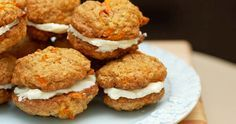 carrot cake sandwich cookies with cream cheese filling- These look awesome. It is kind of like a carrot cake whoopie pie. Cookie Desserts, Cookie Recipes, Dessert Recipes, Cream Cheese Cookies, Cream Cheese Filling, Carrot Cake Sandwich Cookies, Cookie Sandwiches, Carrot Cookies, Bar Cookies