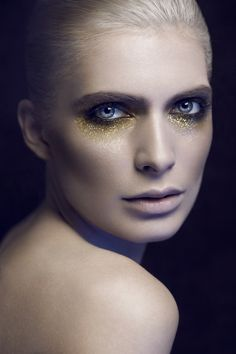 Łukasz Znojek - photography/beauty by Lukasz Znojek, via Behance