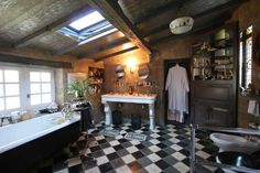 Old-fashioned bathroom