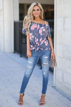 Plus Size Fashion for Women Over 40 - Fashion Trends Plus Size Fashion For Women, Fashion Tips For Women, Womens Fashion, Fashion Trends, Fashion Ideas, Jeans Outfit Summer, Spring Outfits, Spring Clothes, Shirt Outfit