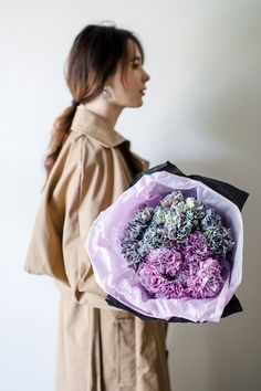 Букеты в Твери с доставкой от авторской студии с особенным стилем. Смотрите наш каталог бекетов, декора и цветов Mint Flowers, Fashion, Moda, Fashion Styles, Fashion Illustrations