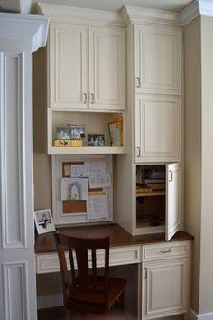 Creamy White Kitchen - traditional - kitchen - atlanta - by Keri Morel Designs Kitchen Desk Areas, Kitchen Desks, Kitchen Office, Kitchen Corner, Corner Nook, Kitchen Cabinets, Kitchen Drawers, Full Overlay Cabinets, Command Center Kitchen