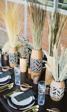 Trend Alert: 23 Ways to Use Black Details in Your Wedding Decor – Wedding Beauty African Party Theme, African Wedding Theme, Zulu Wedding, Chic Wedding, Wedding Events, Geek Wedding, Wedding Ideas, Spring Wedding, Rustic Wedding Decorations