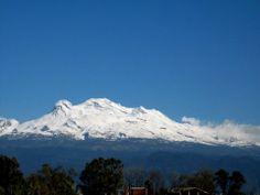 Antiguo México, Somos como Tú: Iztaccíhuatl  #Volcán #Iztaccíhuatl, en los estados de #Mexico y #Puebla, México.  | http://es.wikipedia.org/wiki/Iztaccihuatl  | Imagen: Saul Salomón Olivares