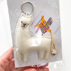 Llama keychain felt animal ornament miniature llama decor Llama Plush, Llama Llama, Felt Keyring, Wool Felt Fabric, Llama Gifts, Llama Birthday, Cute Llama, Felt Embroidery, Felt Patterns