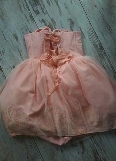 Kup mój przedmiot na #vintedpl http://www.vinted.pl/damska-odziez/krotkie-sukienki/11781923-sukienka-gorsetowa-lou-pudrowy-roz-lososiowa-l-lily