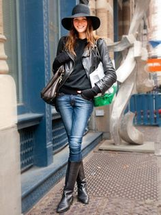 Fall / winter - street style - skinnies + black top, leather jacket & riding boots