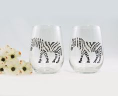 Hey, I found this really awesome Etsy listing at https://www.etsy.com/listing/253301786/zebra-wine-glasses-hand-painted-stemless
