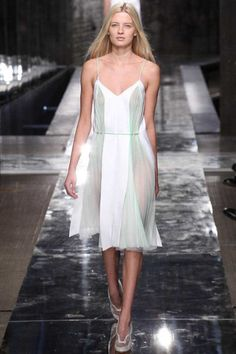 Sfilata Christopher Kane #London - Collezioni Primavera Estate 2014 - #Vogue #lfw #ss2014 #ChristopherKane