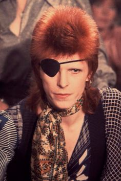 10 Iconic Beauty Looks That Make David Bowie a Legend