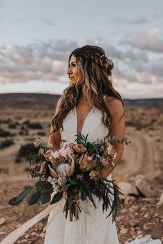 This bride looked elegant with natural waves a lacey v-neck dress for her desert wedding Wedding Beauty, Rose Wedding, Elegant Wedding, Floral Wedding, Wedding Bouquets, Wedding Flowers, Outdoor Wedding Dress, Cheap Wedding Dress, Joshua Tree Wedding
