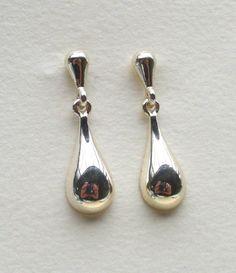 Silver Teardrop Earrings  Mod Jewelry Post by Kikiburrabeads, $16.50