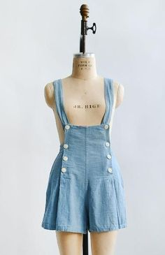 Spring Into June Overalls / vintage chambray button overalls romper Vintag. Spring Into June Overalls / vintage chambray button overalls romper Vintage Dresses – 1930s Fashion, Vintage Fashion, Retro Fashion, Womens Fashion, Style Fashion, Vintage Dresses, Vintage Outfits, 1950s Dresses, Vintage Dress Patterns