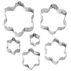 With one side of the cut-outs having a straight edge and the other with a crinkle edge, you can cut 12 designs from the Wilton 6-Pc. Blossom Fondant Double Cut-Outs Set. With six graduated sizes of six-petaled blossoms, you can make intricately layered details with two edge finishes for any fondant cake. Blossom cutter sizes, from smallest to largest: 7/8 in., 1 1/4 in., 1 5/8 in., 2 in., 2 3/8 in., 2 13/16 in.  Before first and after each use, hand wash in warm, soapy water. Rinse and dry…