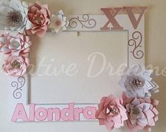 Produkty podobne do Floral Letter in Blush, Ivory and gold Paper Flowers - Flower Initial for Nursery w Etsy Baby Shower Photo Booth, Baby Shower Photos, Boy Baby Shower Themes, Baby Shower Cupcakes, Party Photo Frame, Photo Frame Prop, Baby Shower Centerpieces, Baby Shower Decorations, Xmas Decorations