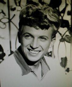 tommy steel Tommy Steele, Rock N Roll, Singers, 1950s, Nostalgia, Pop, Stars, Celebrities, Music