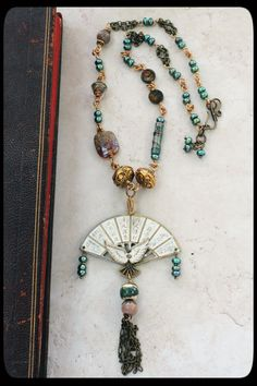 #neckalce #beadsoupblogparty via www.PrettyThingsBlog.com